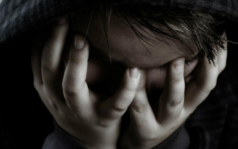 Prievartavimas tylėjimu. Kas per smurto rūšis ir kaip ji veikia